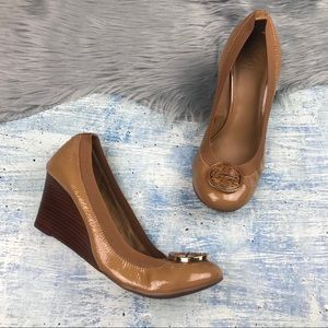 Tory Burch Patent Leather Tan Caroline Wedge 10.5